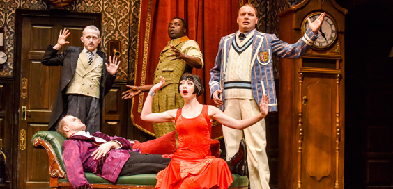 the-play-that-goes-wrong-review-hull-new-theatre-may-2018-main-image